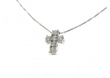 Necklace with diamonds cross